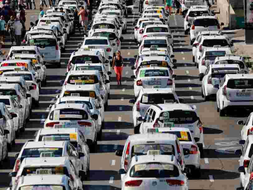 La grève contre Uber s'arrête en Espagne après que le gouvernement a accepté de limiter le nombre de licences accordées aux chauffeurs de VTC