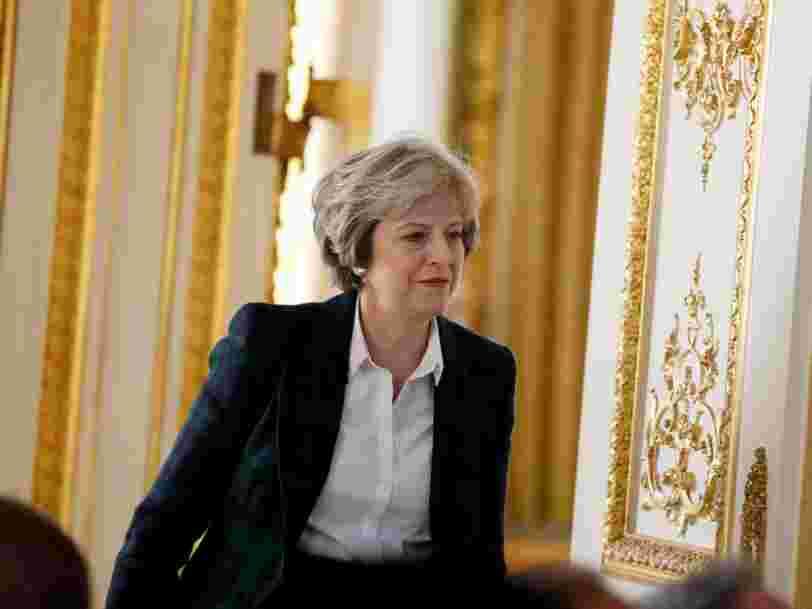 Theresa May pourrait mettre fin à la liberté des mouvements des citoyens de l'UE dès le mois prochain