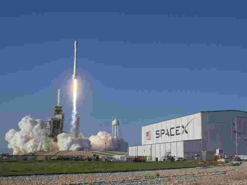 'Dans le mille': SpaceX réussit le lancement révolutionnaire d'une fusée