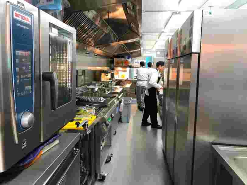 Deliveroo ouvre un réseau de cuisines pour permettre aux restaurants de servir leurs plats à des clients trop loin d'eux