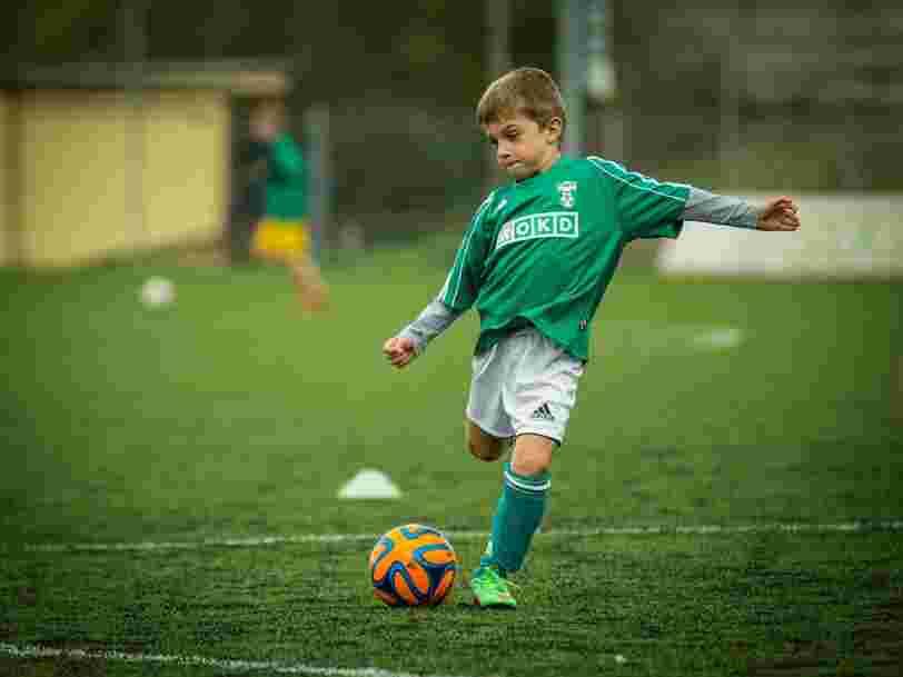 Une famille londonienne offre l'équivalent de 85.000 € par an à la personne qui fera de ses 2 fils des joueurs de football professionnels