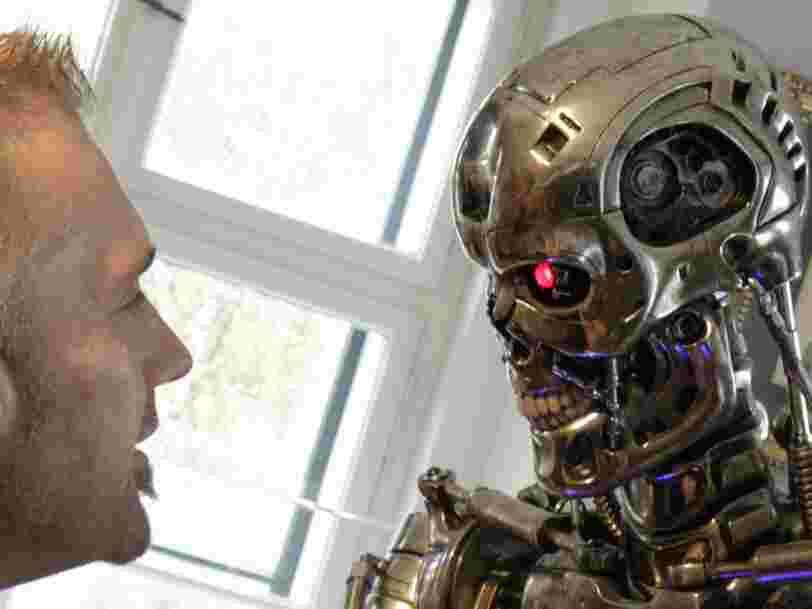 Les algorithmes sont 'une arme de destruction mathématique' qu'il faut encadrer, dit une data scientist à TED