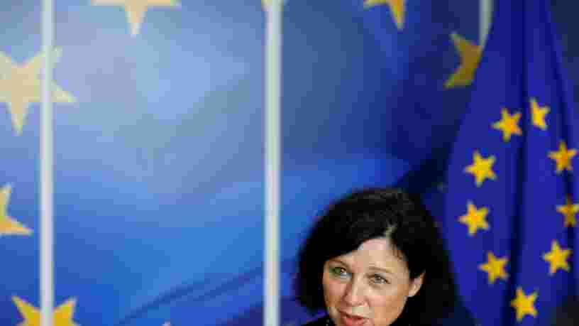 L'UE salue le travail des réseaux sociaux dont Facebook pour éliminer les contenus haineux mais elles doivent encore faire des efforts sur un point