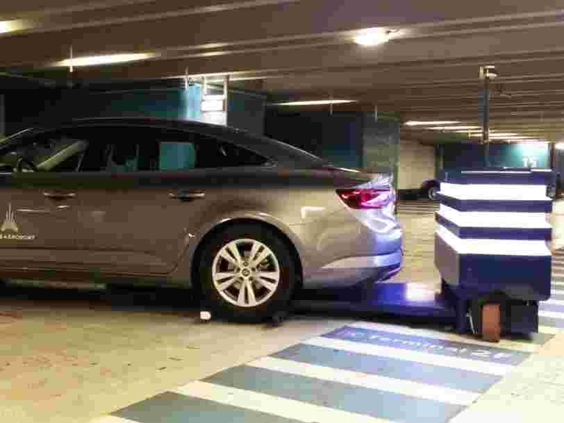 Ce robot-voiturier donne un aperçu du parking du futur
