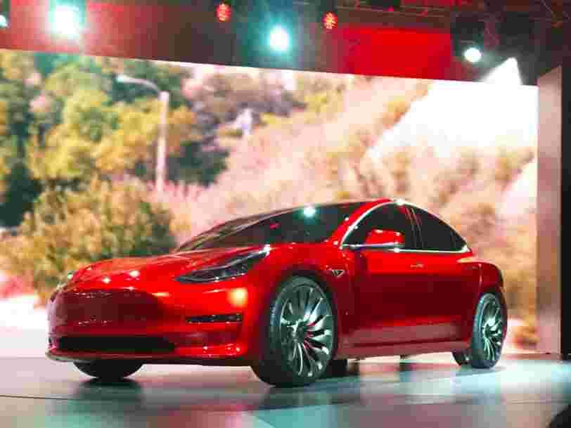 Tesla annonce lever plus de 1Md$ en amont du lancement de la Model 3