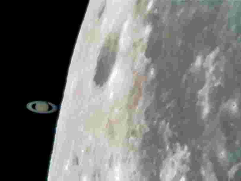 Un photographe a capturé avec son smartphone un moment ou Saturne 'touche' la Lune