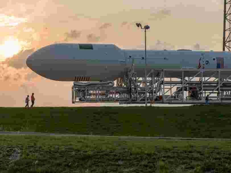 SpaceX a réussi à envoyer en orbite à plus de 35.000 km au-dessus de la Terre un satellite de la taille d'un bus