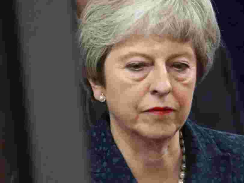 BREXIT: Theresa May encaisse une défaite historique au Parlement britannique qui rejette son accord