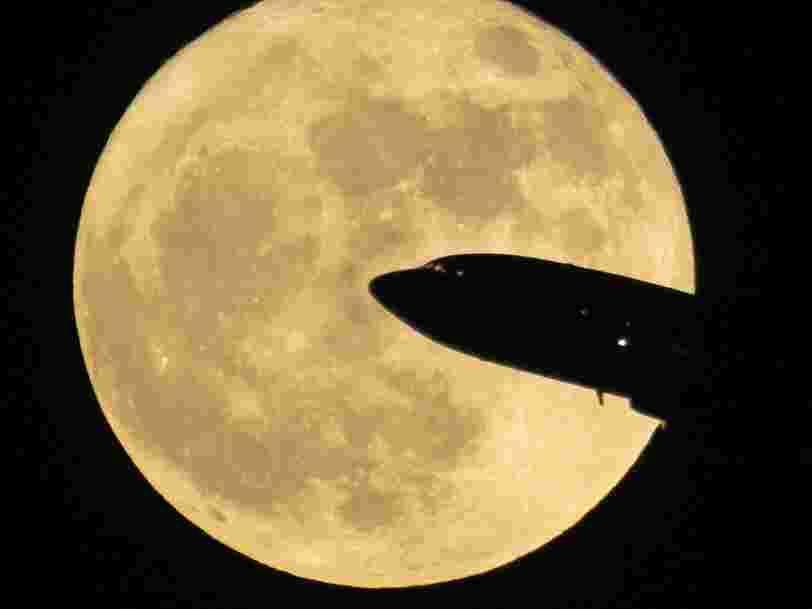 Voici quelques-unes des plus belles photos de la super lune de ce dimanche 3 décembre