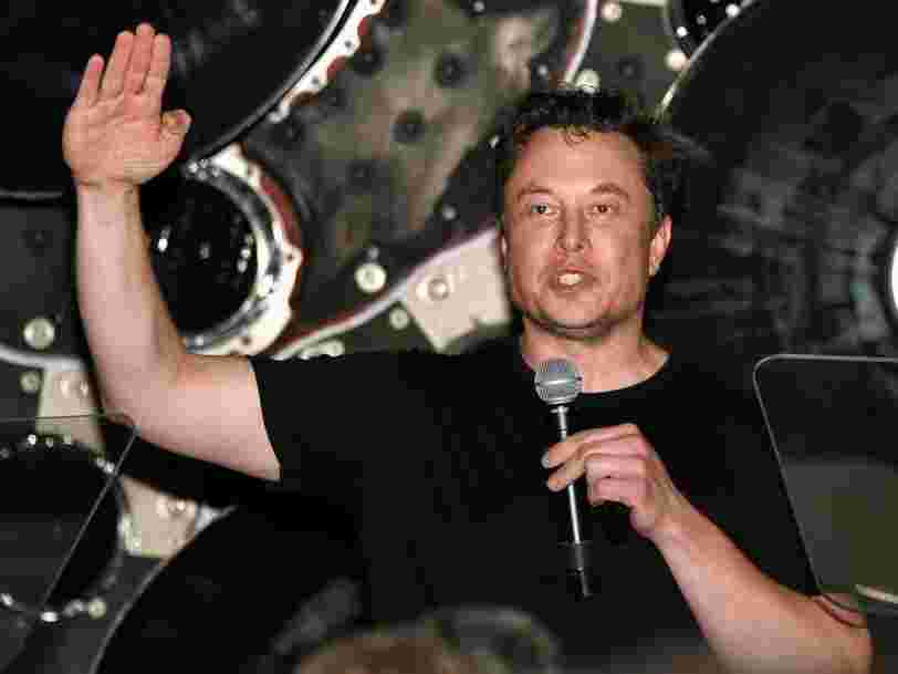 Elon Musk a annoncé que SpaceX allait diffuser en direct sa mission sur la Lune de 2023 en réalité virtuelle
