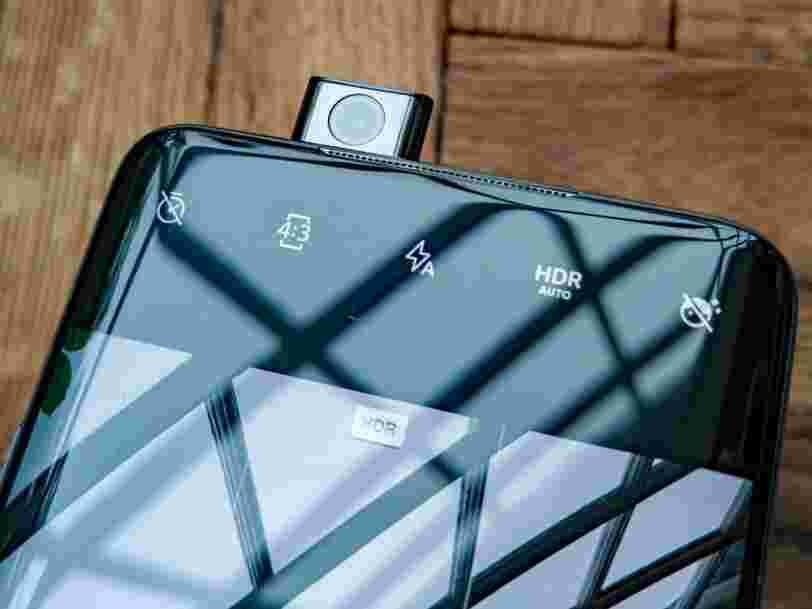 On a fait tomber le OnePlus 7 Pro pour voir si sa caméra selfie se rétractait bien
