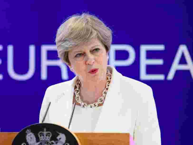 Theresa May offre aux citoyens européens le droit de continuer à vivre et travailler au Royaume-Uni