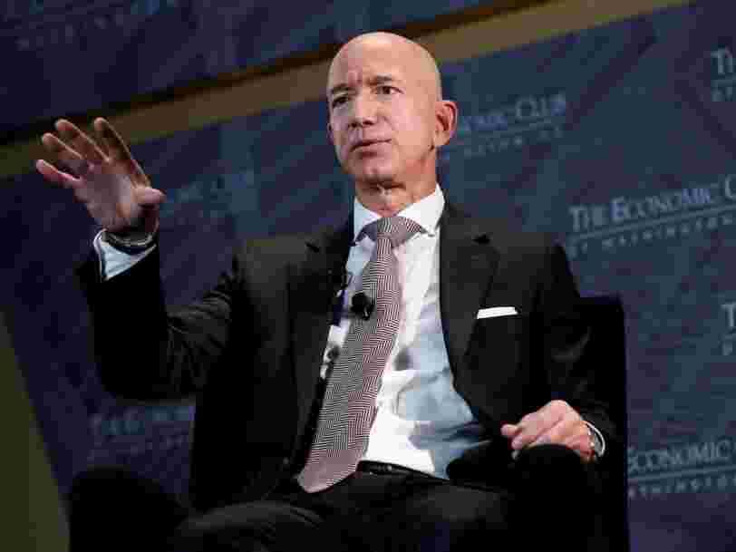 Jeff Bezos interrompu sur scène par une militante de la cause animale lors d'un événement Amazon