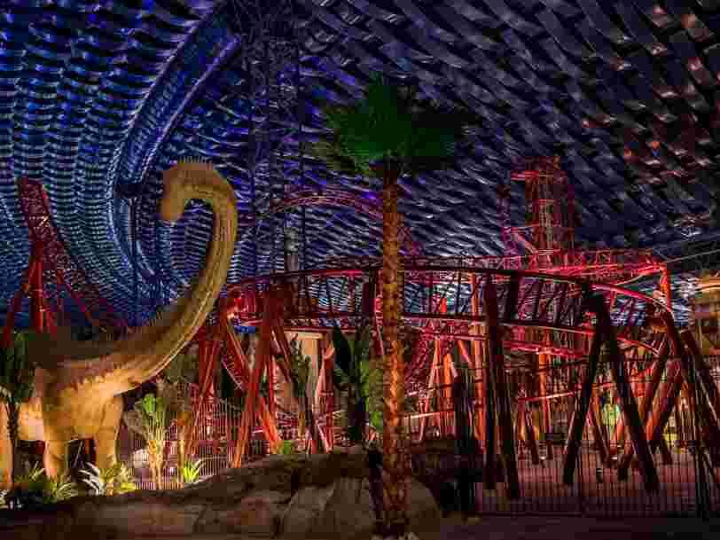 Dubaï a investi 1Md$ pour créer le plus grand parc d'attraction intérieur au monde — voici à quoi il ressemble