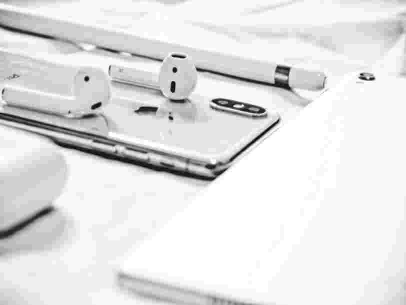 Apple vient de sortir des AirPods 2 sans changement de prix, alors quelles différences avec le précédent modèle ?