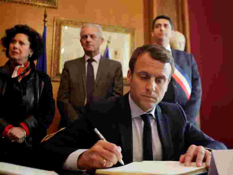 8 livres qui figurent dans la bibliothèque d'Emmanuel Macron