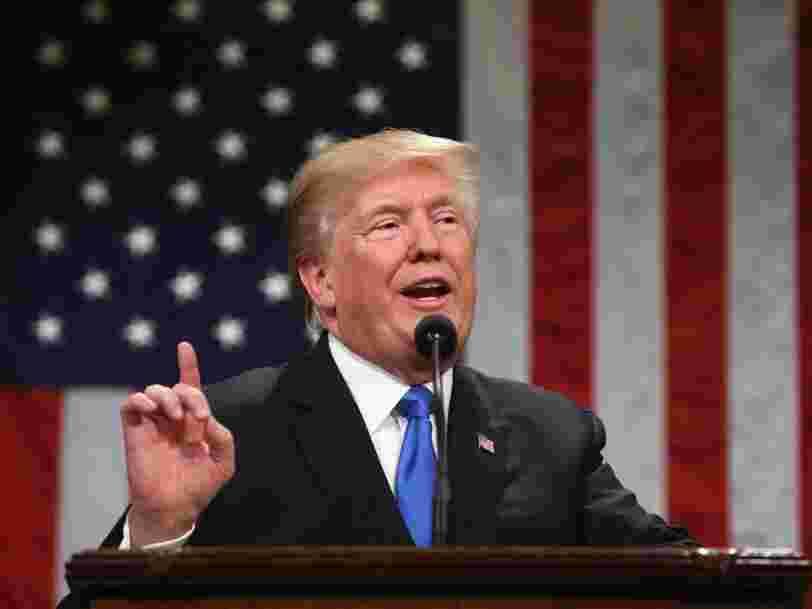 Donald Trump vante un 'nouveau moment américain' dans son premier discours sur l'état de l'Union