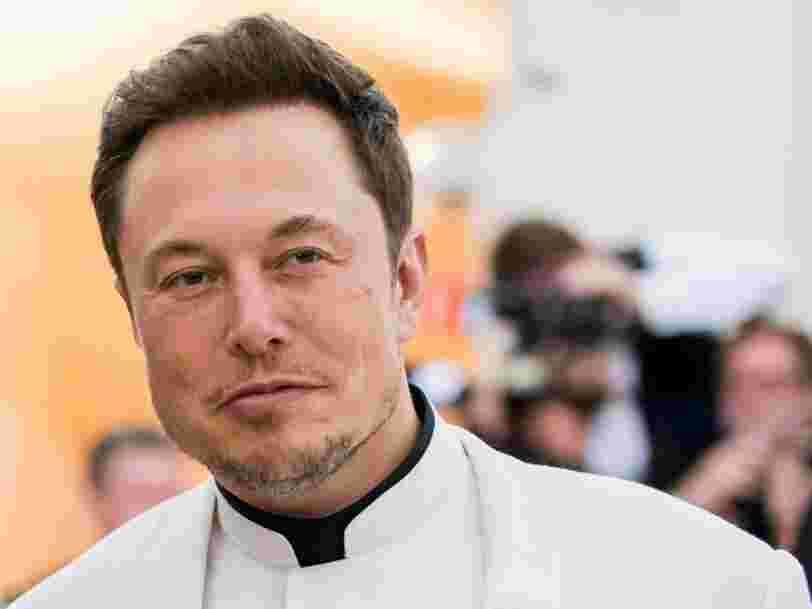 Elon Musk annonce son projet de retirer Tesla de la cote, mais dit que la décision finale n'a pas été prise