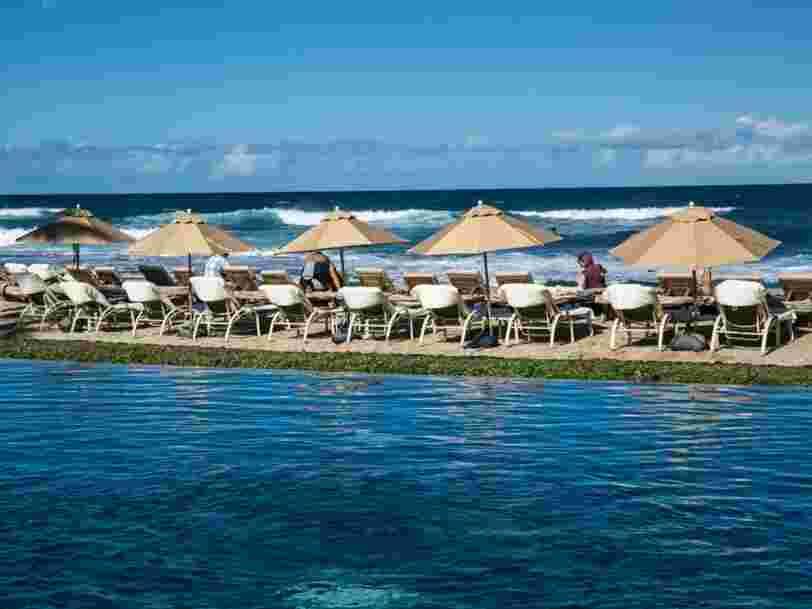 Vous pouvez être payé 10 000 $ à vous détendre au bord des piscines des hôtels les plus luxueux des États-Unis