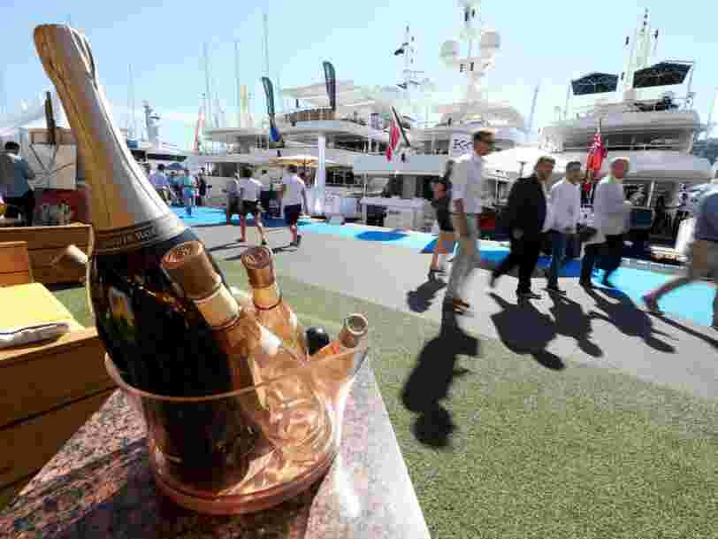 Le marché mondial des produits de luxe va stagner en 2016 parce que les riches recherchent quelque chose de nouveau