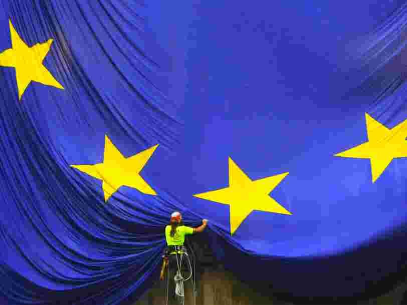 Regardez des ambassadeurs de l'UE s'essayer au 'mannequin challenge'