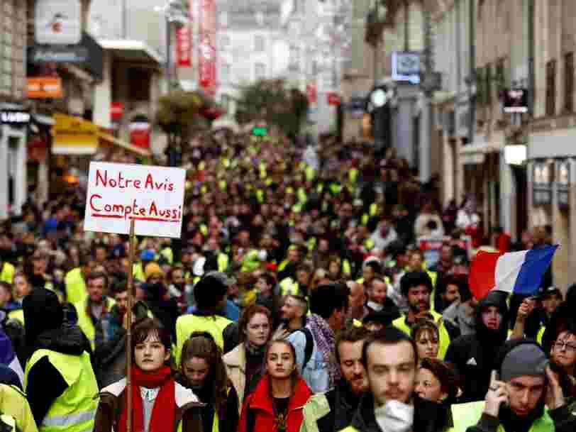 Emmanuel Macron réclame 'l'ordre, le calme et la concorde' après un acte 6 des 'Gilets jaunes' marqué par une mobilisation en chute libre, l'arrestation d'un leader et des dérapages