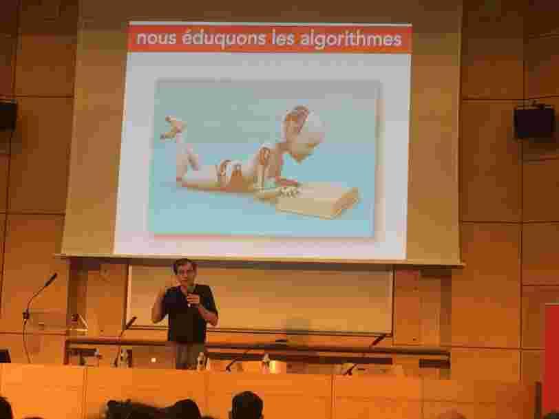 Les 'pouces levés' que vous donnez aux contenus en ligne n'intéressent pas les intelligences artificielles — ce sociologue français dit pourquoi