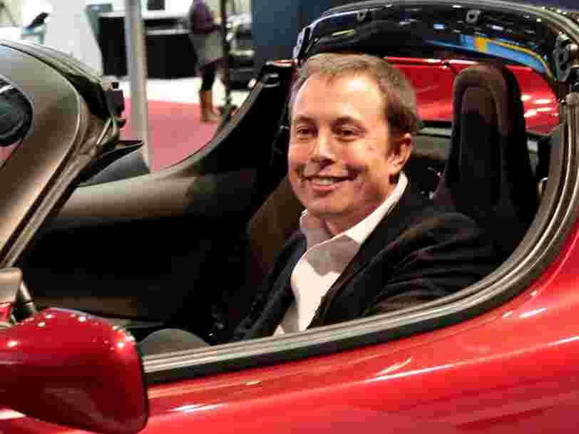 Elon Musk compte lancer son Roadster rouge cerise en orbite autour de Mars en janvier 2018