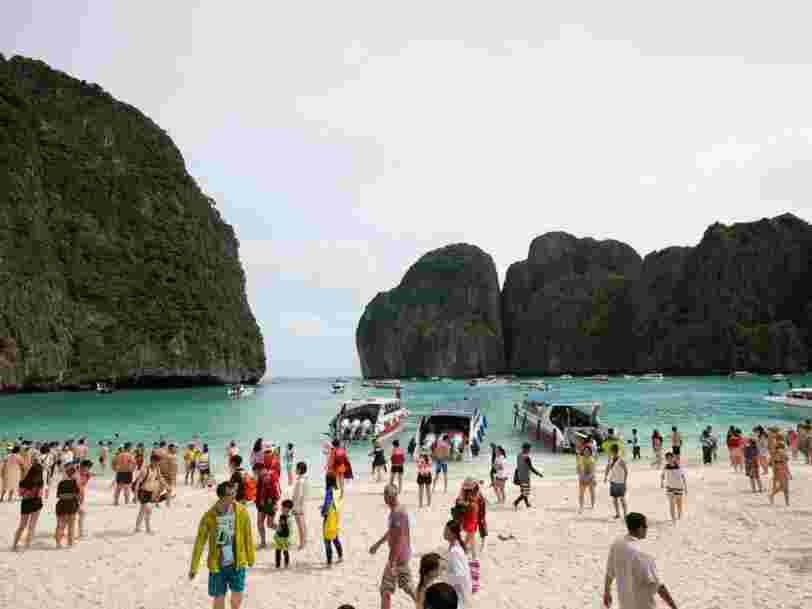 La Thaïlande ferme la baie iconique du film 'La Plage', une pause temporaire n'ayant pas suffi à réparer les dégâts causés par les touristes