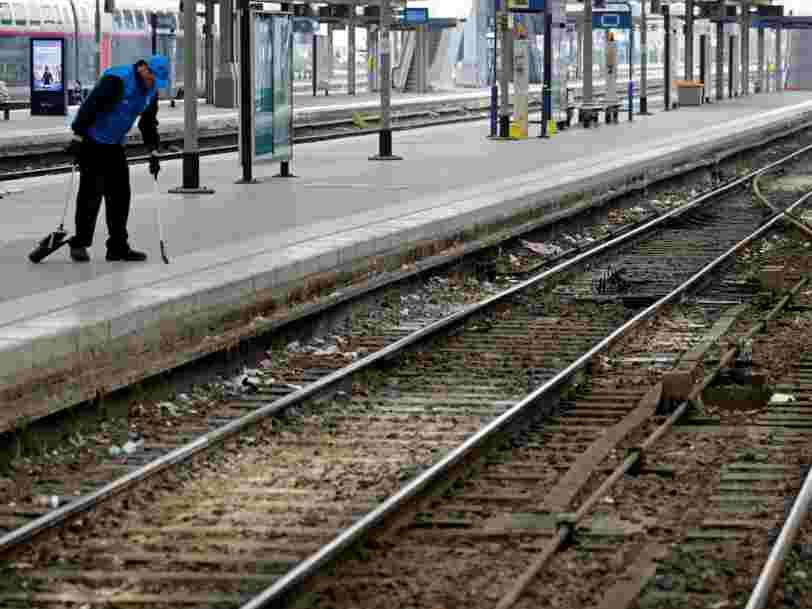 Grève SNCF: les salariés votent non à la réforme, mais leur mobilisation n'a jamais été aussi basse
