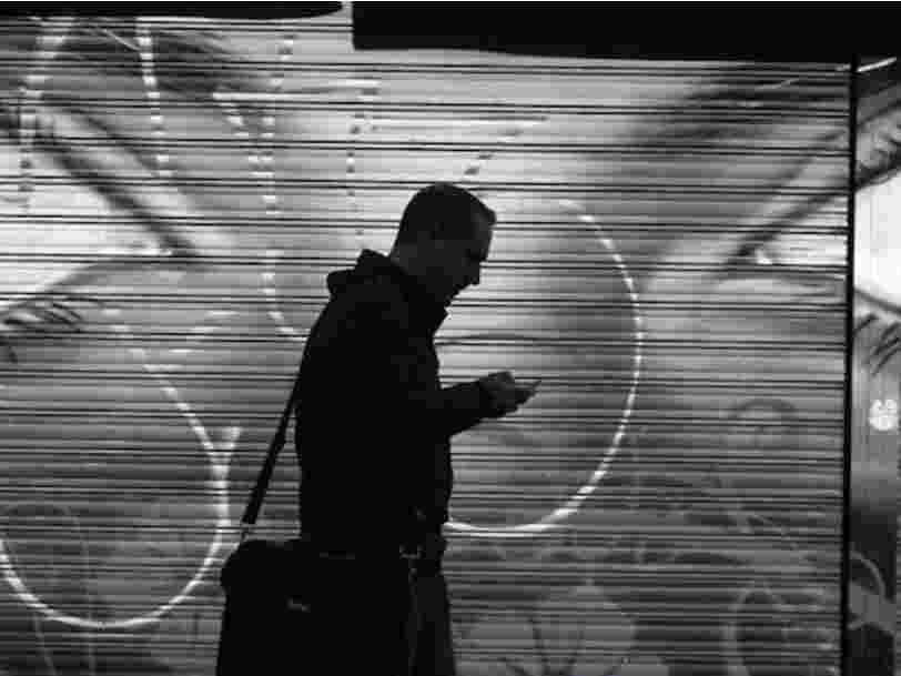 Des chercheurs n'ont pas trouvé de preuve que votre téléphone vous enregistre secrètement — mais ils ont découvert que certaines applis font des captures de votre écran
