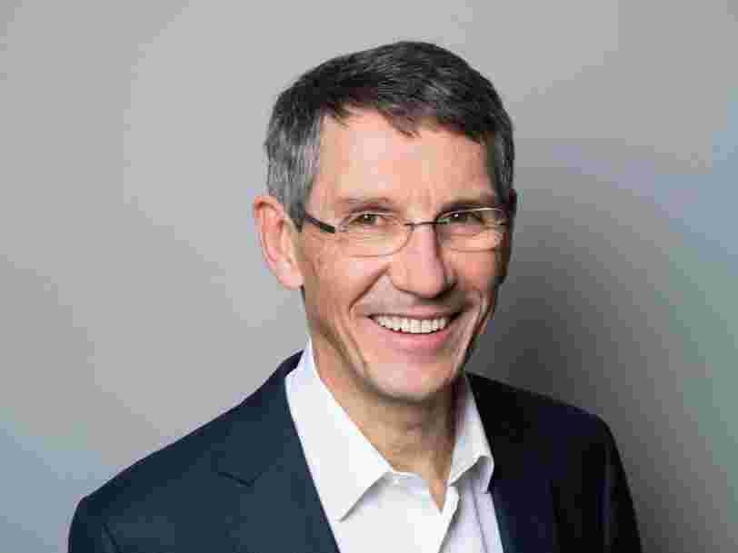 Le français Essilor crée un géant de l'optique de 46 Mds € avec le fabricant de Ray Ban