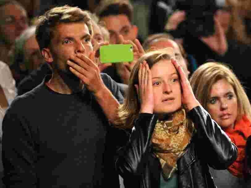 Législatives en Allemagne: Angela Merkel rempile mais perd ses anciens alliés et va devoir affronter l'extrême droite au Parlement