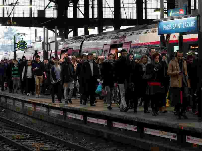 La grève SNCF va continuer de perturber le trafic — mais voici vos droits en cas de retard ou d'annulation de votre train