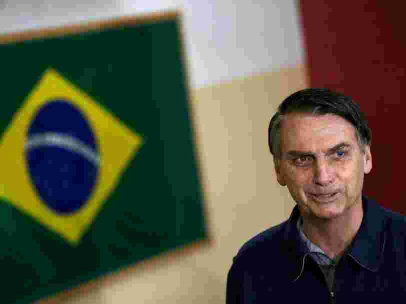 Le candidat d'extrême droite Jair Bolsonaro arrive largement en tête du premier tour de la présidentielle au Brésil