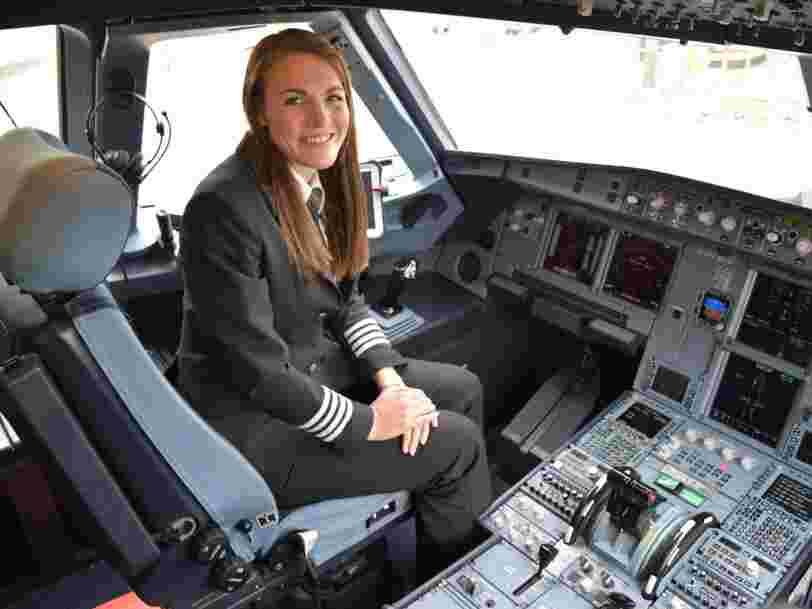 La vie extraordinaire de Kate McWilliams, la pilote d'easyJet de 26 ans qui est devenue la plus jeune femme commandant de bord au monde
