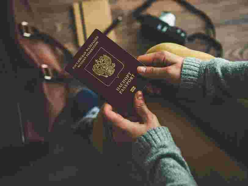 Il y a un moyen simple ne pas perdre votre passeport selon une hôtesse de l'air