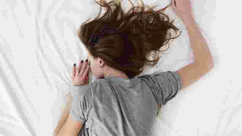 Toute personne qui a besoin d'un réveil pour se lever et aller au travail est 'désynchronisée' de son corps, et certaines entreprises réalisent que c'est un problème majeur