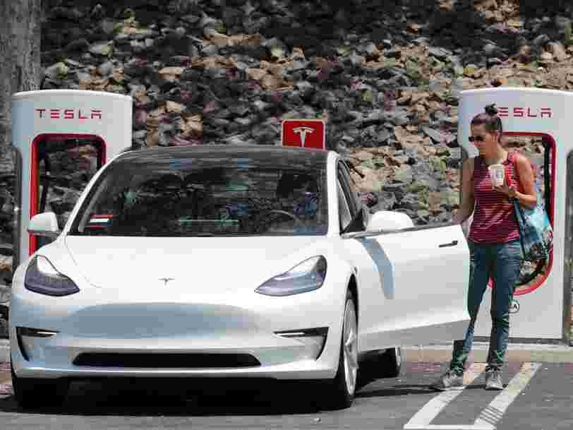 Elon Musk pourrait s'appuyer sur son entreprise spatiale SpaceX pour retirer Tesla de la cote