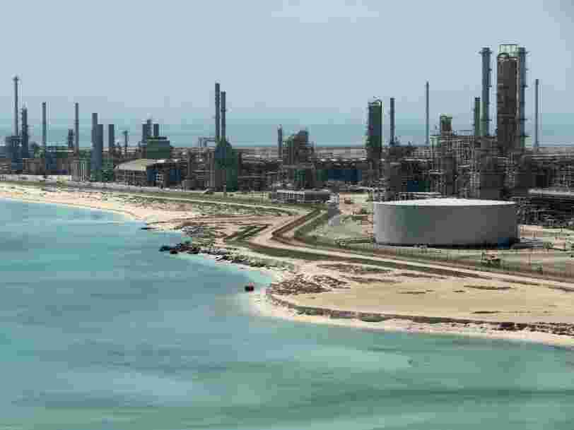 On vous présente Saudi Aramco, la société pétrolière qui fait deux fois plus de bénéfices qu'Apple