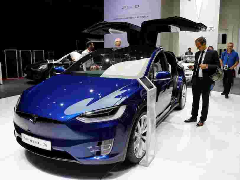 Tesla veut vendre plus de voitures en France — et désire 'hacker le système' pour le faire