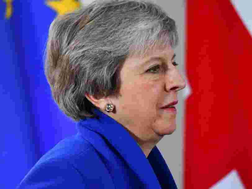 Theresa May reporte le vote sur le Brexit pour éviter une défaite cuisante au Parlement britannique