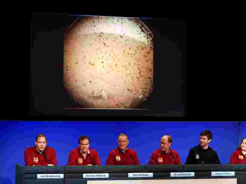 La sonde InSight de la NASA a envoyé sa première photo de Mars quelques minutes après son atterrissage — regardez