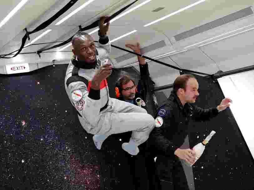Usain Bolt a bu du champagne en apesanteur — voici pourquoi il n'aurait pas pu le faire avec une bouteille classique