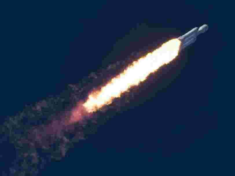 SpaceX s'apprête à lancer le premier de ses 11.925 satellites internet — c'est bien plus que le nombre d'engins en orbite autour de la Terre aujourd'hui