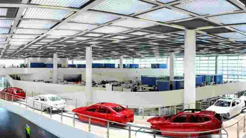 BMW suspend sa production dans 3 pays à cause d'un fournisseur — le constructeur allemand exige une compensation