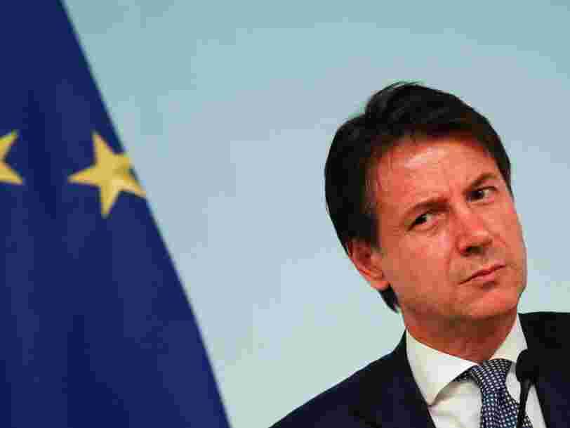 Elections anticipées et abaissement de sa note: voici ce qui pourrait se passer en Italie alors que la crise de la dette s'aggrave