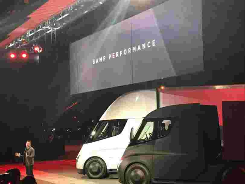Tesla vient de dévoiler son premier camion électrique —il ressemble à un vaisseau spatial