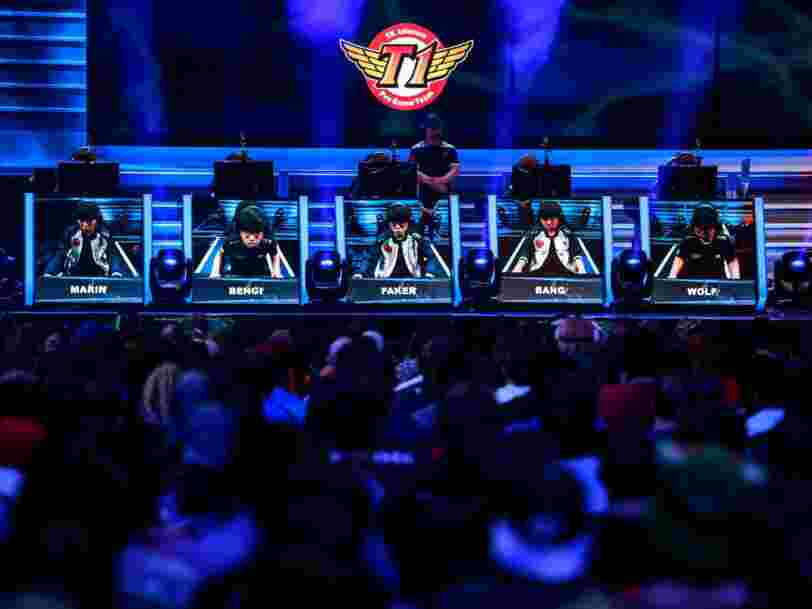 Under Armour et la NBA s'allient avec Tencent pour faire leur entrée dans le gigantesque marché du eSport en Chine qui rassemble 400 millions de joueurs