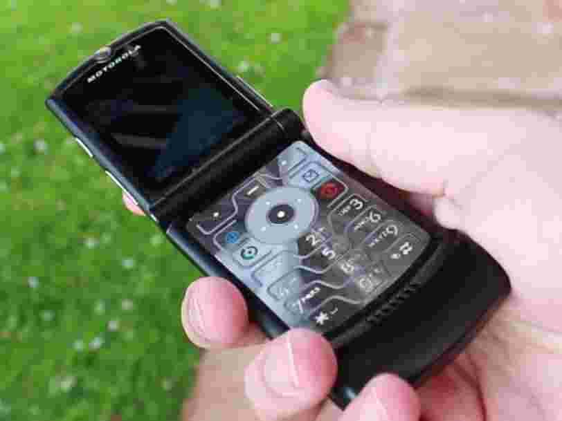 Votre téléphone à clapet préféré du début des années 2000 fait peau neuve en 2019 — avec un écran pliable